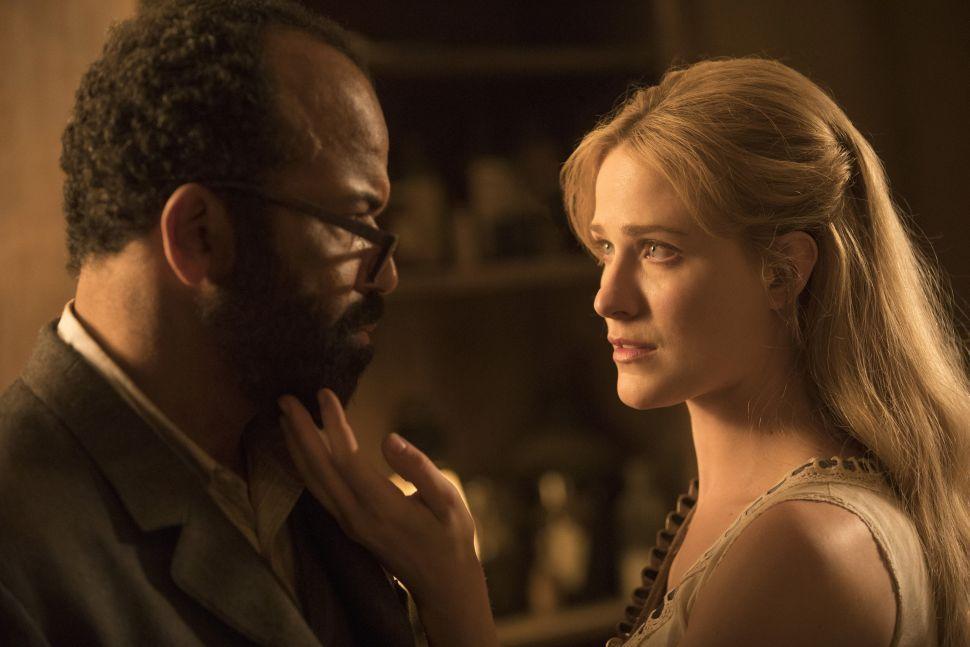 Bernard y Dolores, protagonistas de'Westworld'